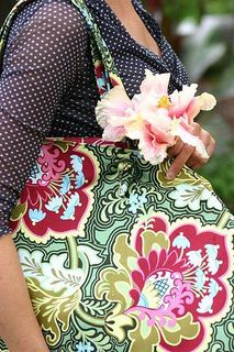 Amy Butler Betty Shopper Bag, Fabric Gothic Rose in Burgundy